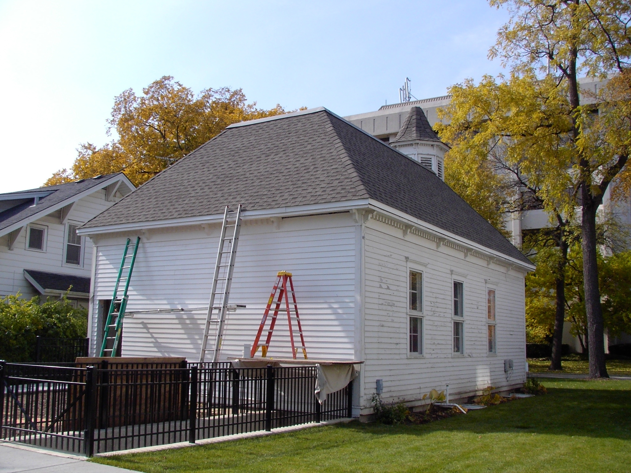 Central-School-exterior-restoration-Fall-2009-photo-by-Greg-Peerbolte1-1