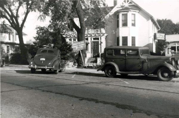 8-e-northwest-highway-moehling-house-c1942-052